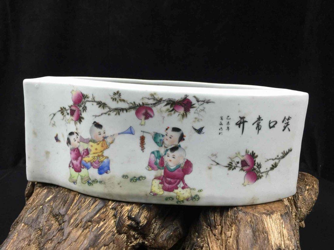 Chinese Famille rose Porcelain Casket