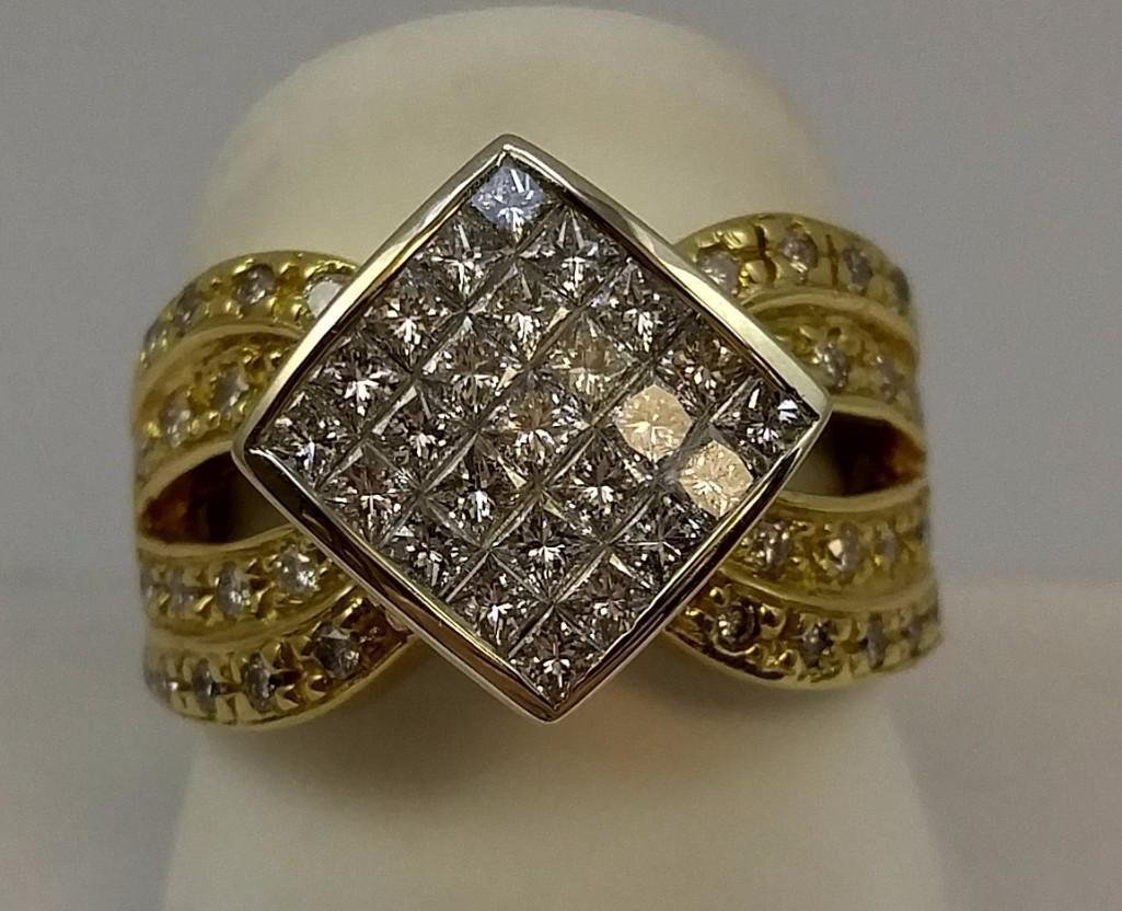 18KT yellow gold ladies diamond ring with a tapered