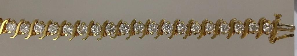 18KT yellow gold ladies diamond tennis bracelet