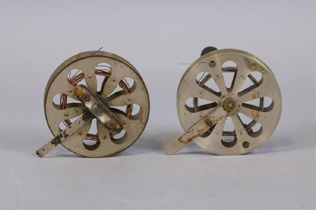 Lot of 2 Early antique fishing reels - 2