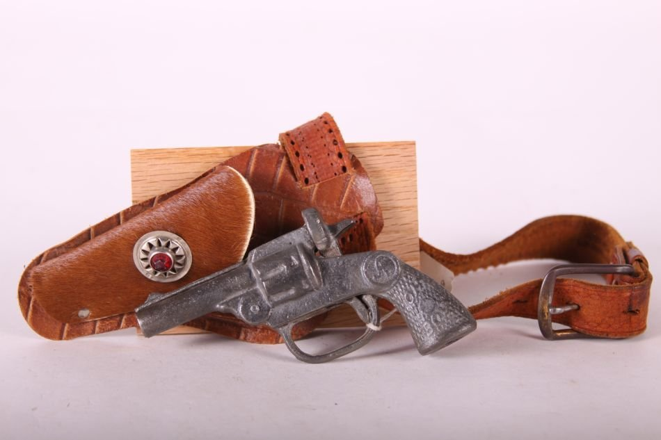 Andes, Oh-Boy, Cap Pistol, Cast Iron, w/ Single Holster