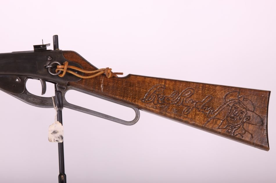 Daisy Red Ryder Carbine, Lever Action, Wood Stock, - 2