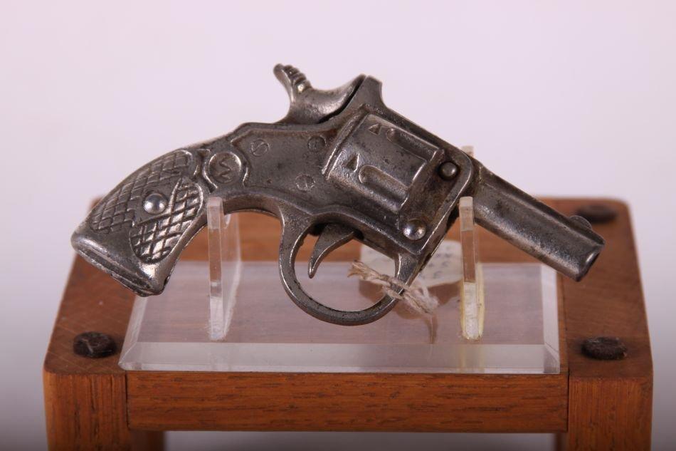 Kenton 22 Cal Toy Pistol, Cast Iron - 2