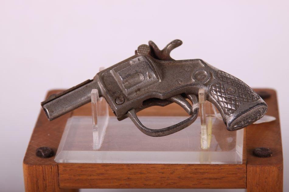 Kenton Cap Gun, Cast Iron