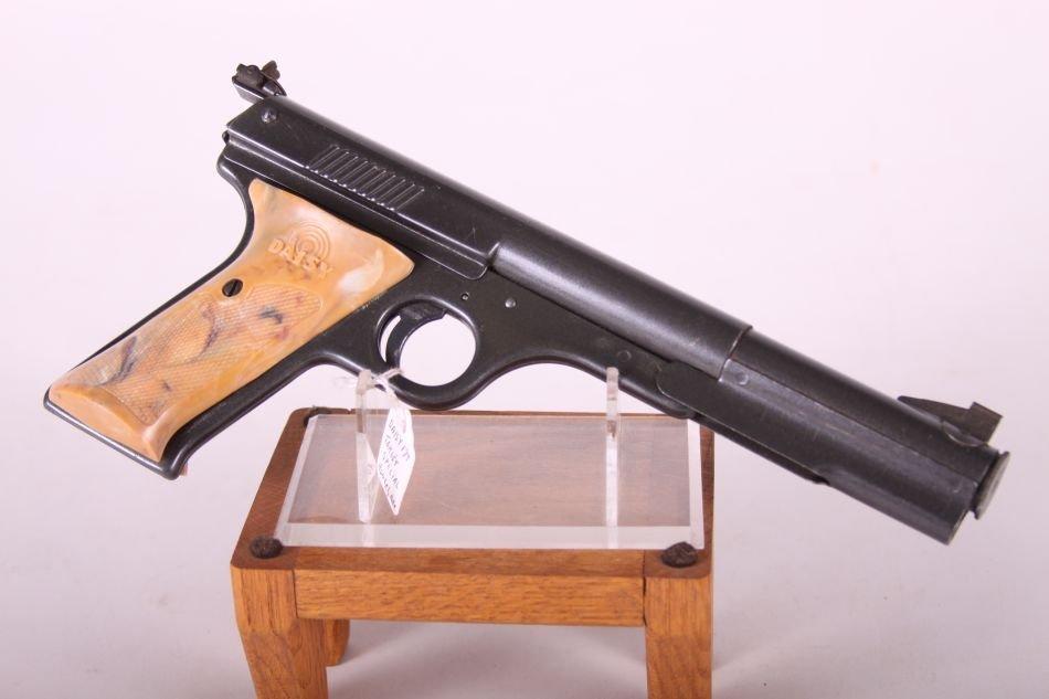 Daisy No. 177 Target Special BB Gun, Cal. 177, Plastic - 2