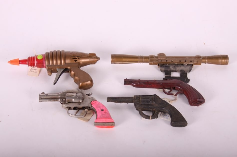 Lot of Toy & Cap Guns & Daisy Scope, Hi-Ho Cap Pistol,