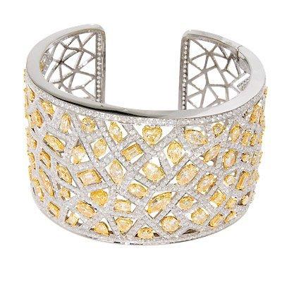 18KTT YELLOW & WHITE DIAMOND BANGLE 936 - ROUND = 16.72