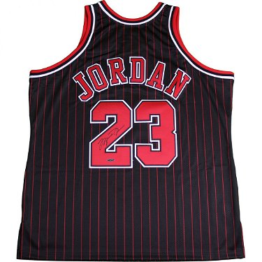 wholesale dealer ca19e b525f Michael Jordan Signed Black Bulls Pinstripe Jersey (UD