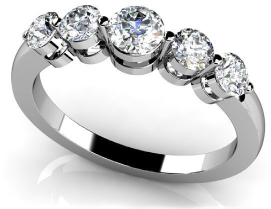 14KT Gold 0.7 ct Diamond Ring Featuring 2.8 Grams of 14