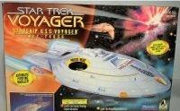 2120: Star Trek Voyager Ship With Lights, Sounds