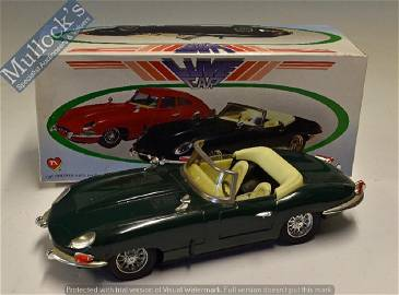 Tinplate Luxe Car Push and Go Jaguar E-Type...