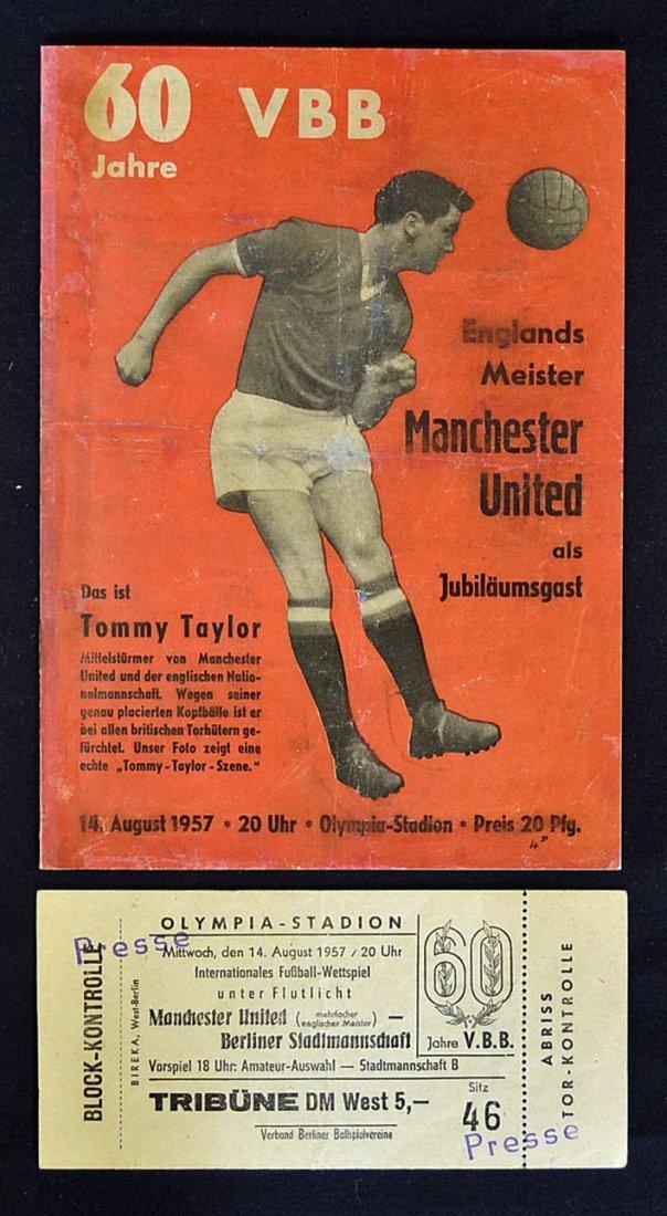 Rare 1957/58 Berlin Select XI v Manchester Utd foo