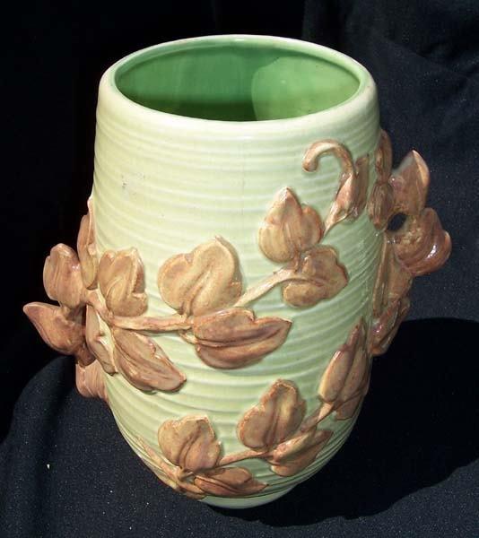 205: Red Wing Leaf Vine Handle Vase Green