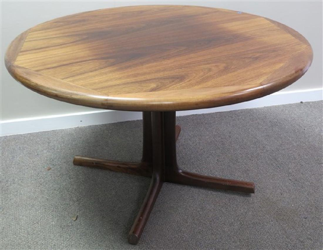 Dyrlund Rosewood Laminated Modern Table w 2 Leaves