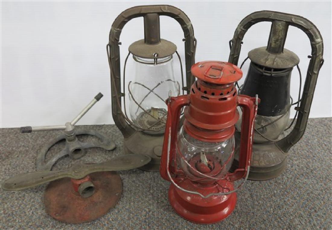 Lantern & Sprinkler