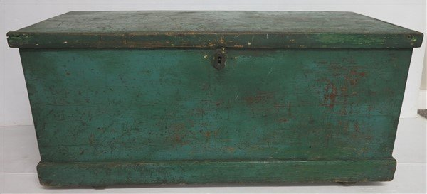 Dovetail Blanket Box in Green Paint