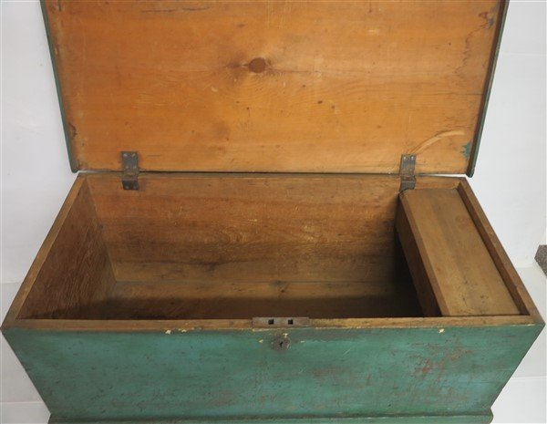 Dovetail Blanket Box in Green Paint - 2