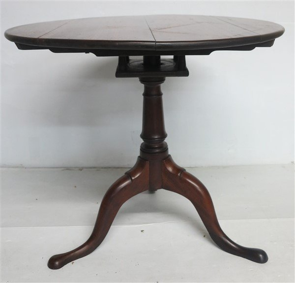 Extra Grade 19th Cent American Tip-top Tea Table - 2