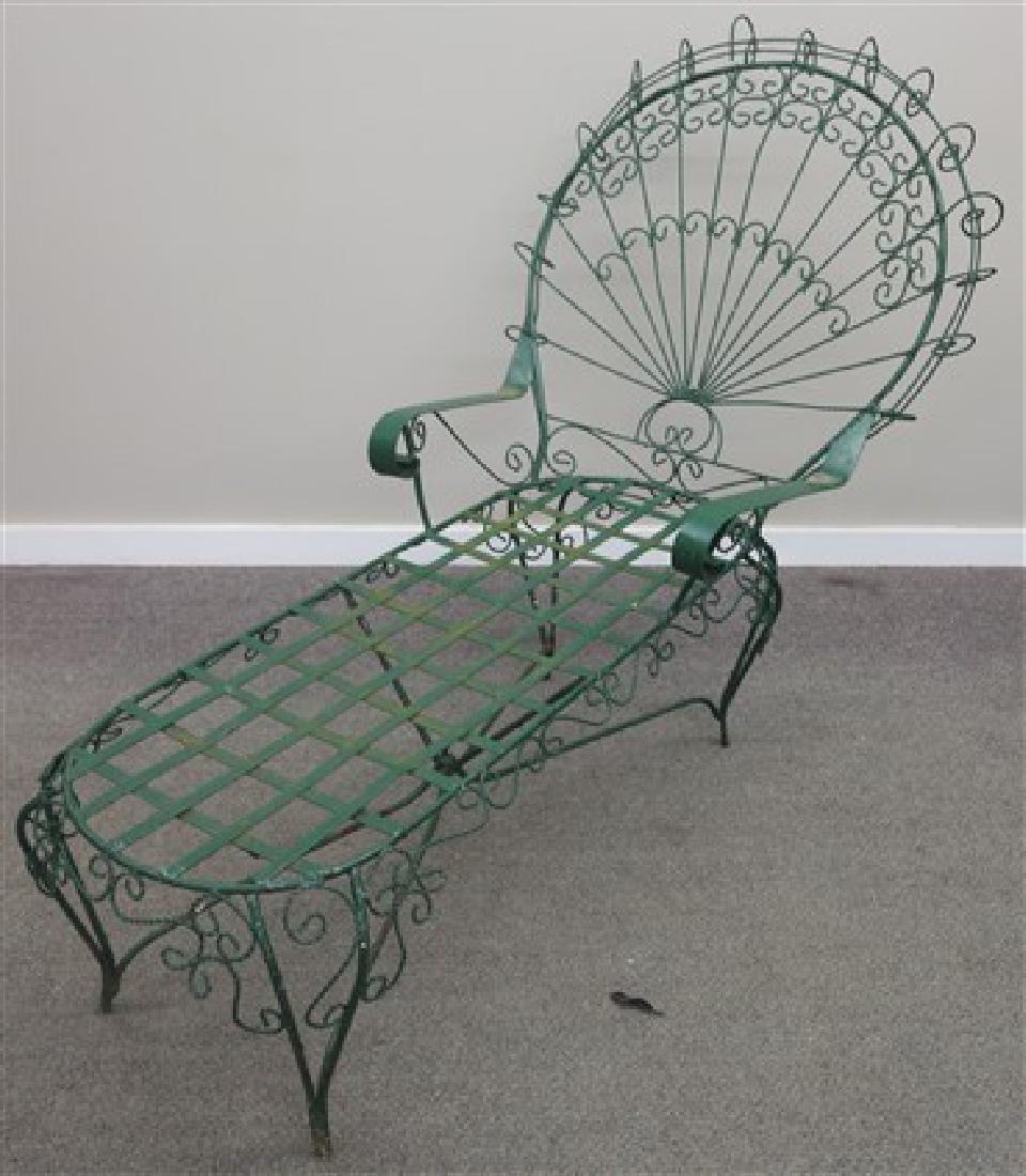 Twist wire chaise