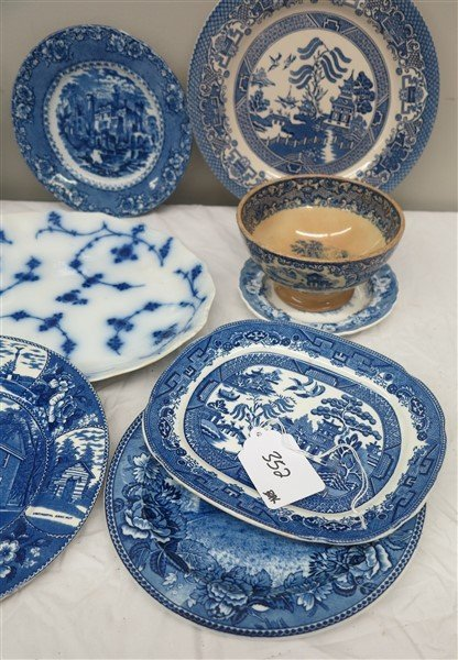 Lot of blue and white porcelain - 2