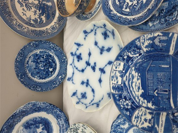 Lot of blue and white porcelain - 3
