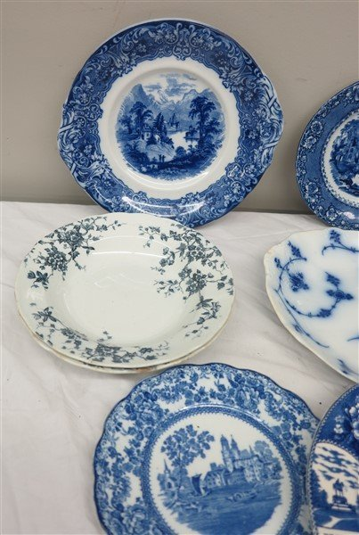 Lot of blue and white porcelain - 4