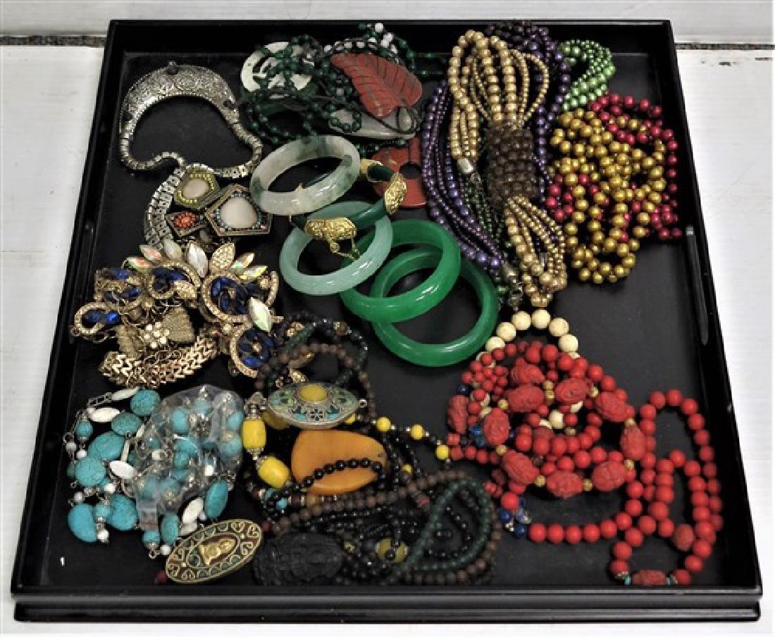 Generous lot of Oriental jewelry