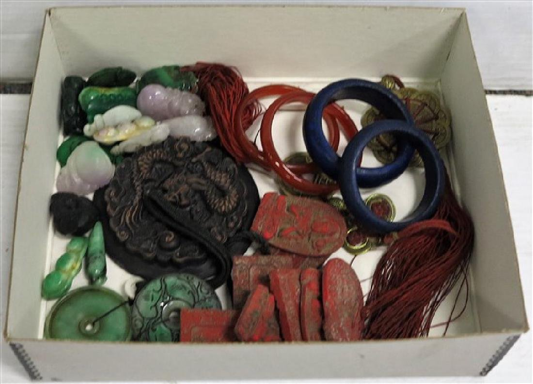 Lot of trinkets & Jewelry