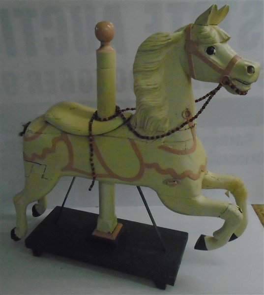 Nice Nice Early Carousel Horse