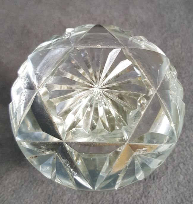 Another Fine Cut Glass Knob - 3