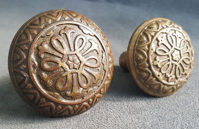 Two Good Knobs From Yale