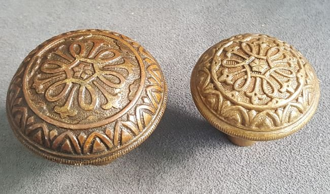 Two Good Knobs From Yale - 2