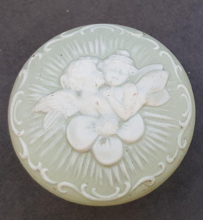 Ceramic Passage Knob With Putti - 3