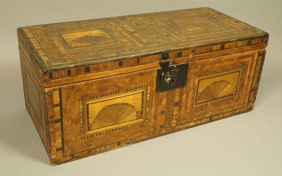 Large Inlaid Wood Box Trunk. Inlaid fan or sunris
