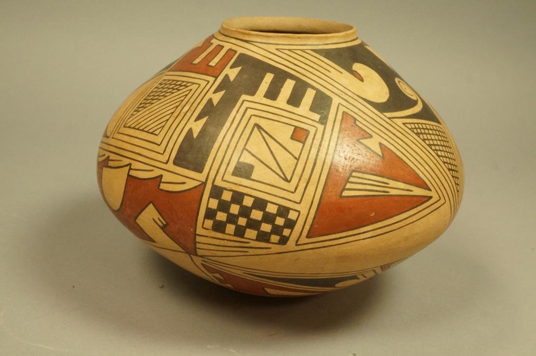 TAUNINA DACA American Indian Pottery Vessel Vase. - 5