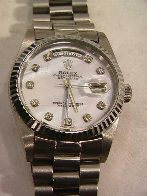 20b9f2fa23f7d 511  18K ROLEX Oyster Perpetual Day Date Watch 18239 Mo