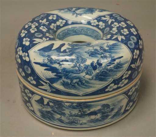 Antique Chinese Ceramic Blue White Necklace Box