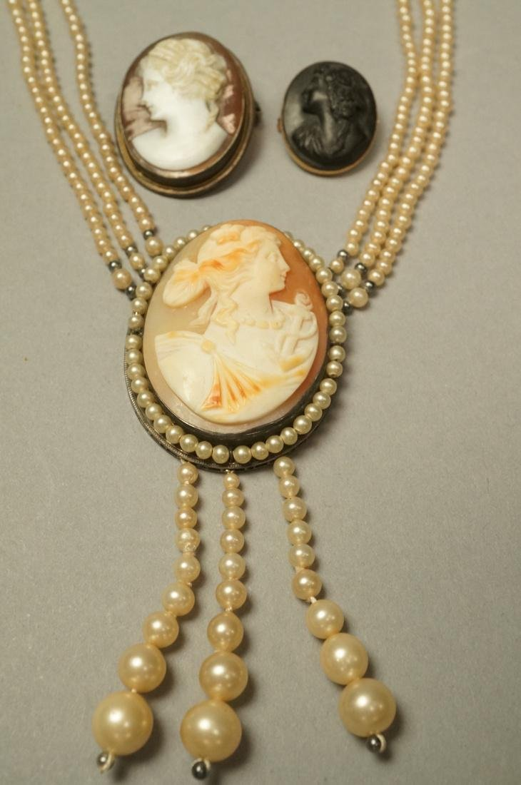 3pc Vintage Carved Cameo Jewelry Lot. 1) Carved p