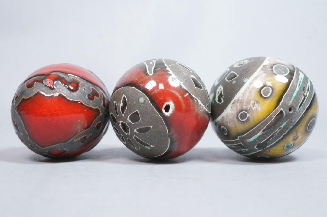 3 MADOURA Attrib. Pottery Modern Glazed Eggs. Hol - 9