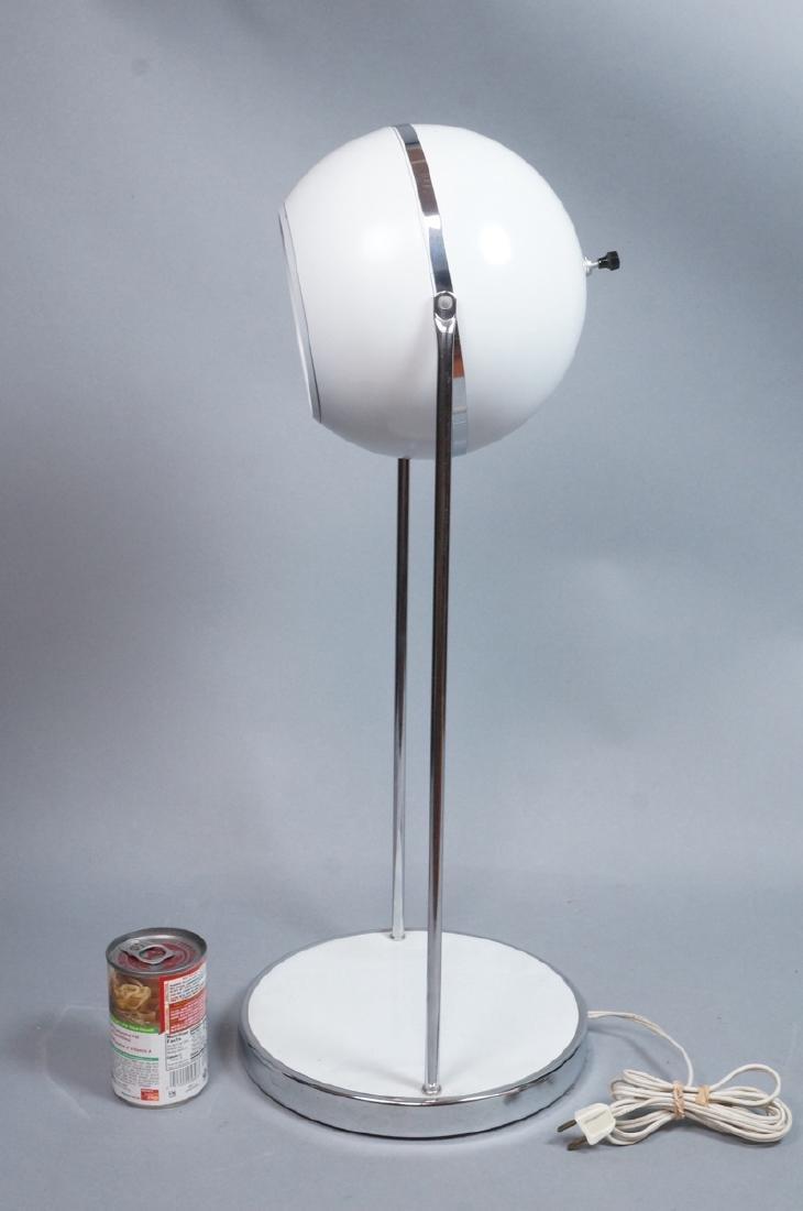 Modern White Enamel Chrome Table Lamp. Round base - 4