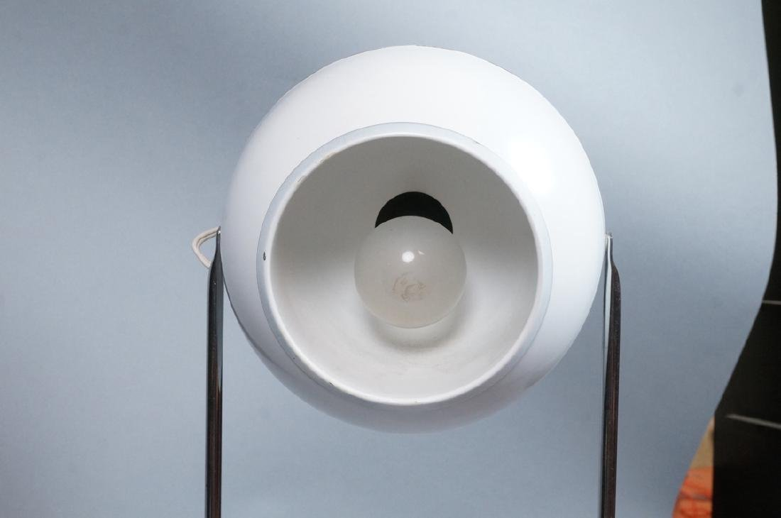Modern White Enamel Chrome Table Lamp. Round base - 6