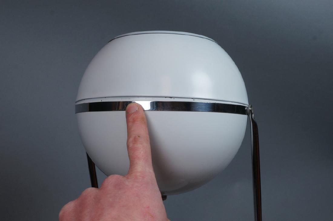 Modern White Enamel Chrome Table Lamp. Round base - 7