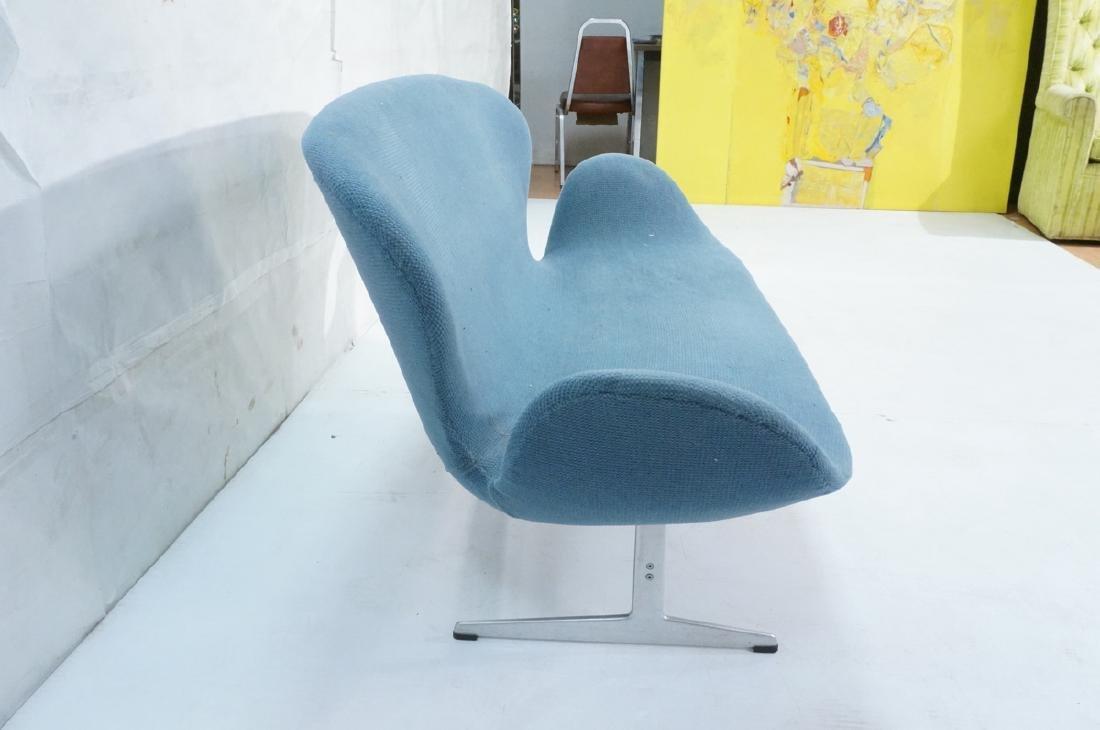 FRITZ HANSEN Swan Sofa Couch. Elegant Modernist f - 3