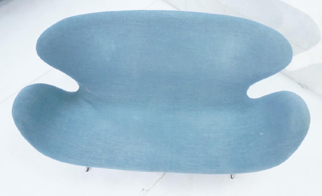 FRITZ HANSEN Swan Sofa Couch. Elegant Modernist f - 6