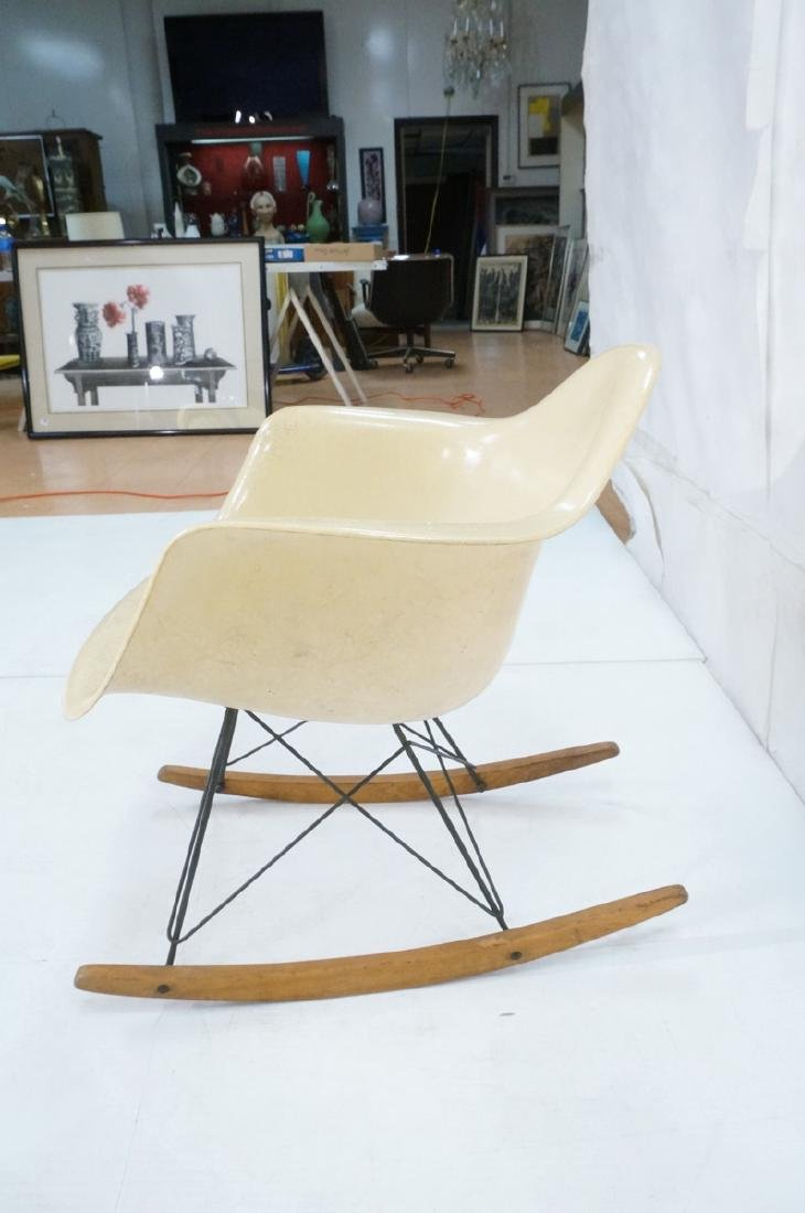 CHARLES EAMES Fiberglass Rocker Rocking Chair. Da - 4