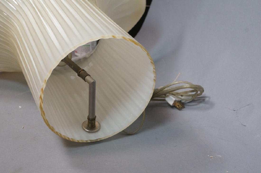 Murano Art Glass Italian Table Lamp. Fluted shell - 7