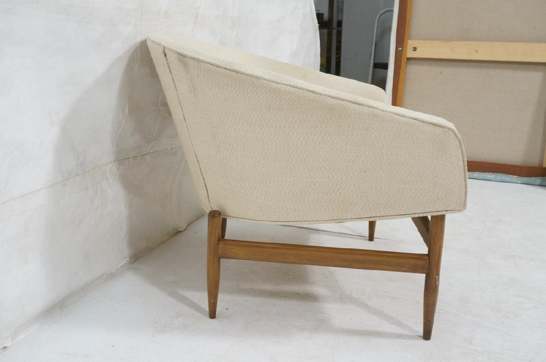 Barrel Back Modern Lounge Chair. Off white fabric - 3