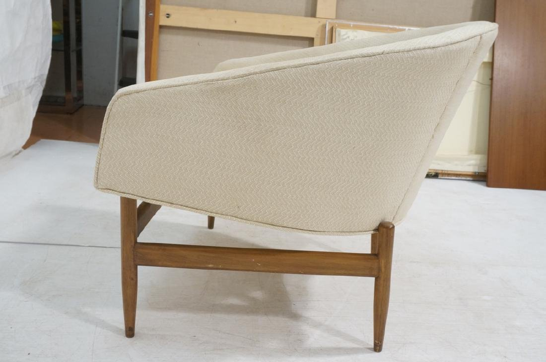Barrel Back Modern Lounge Chair. Off white fabric - 5