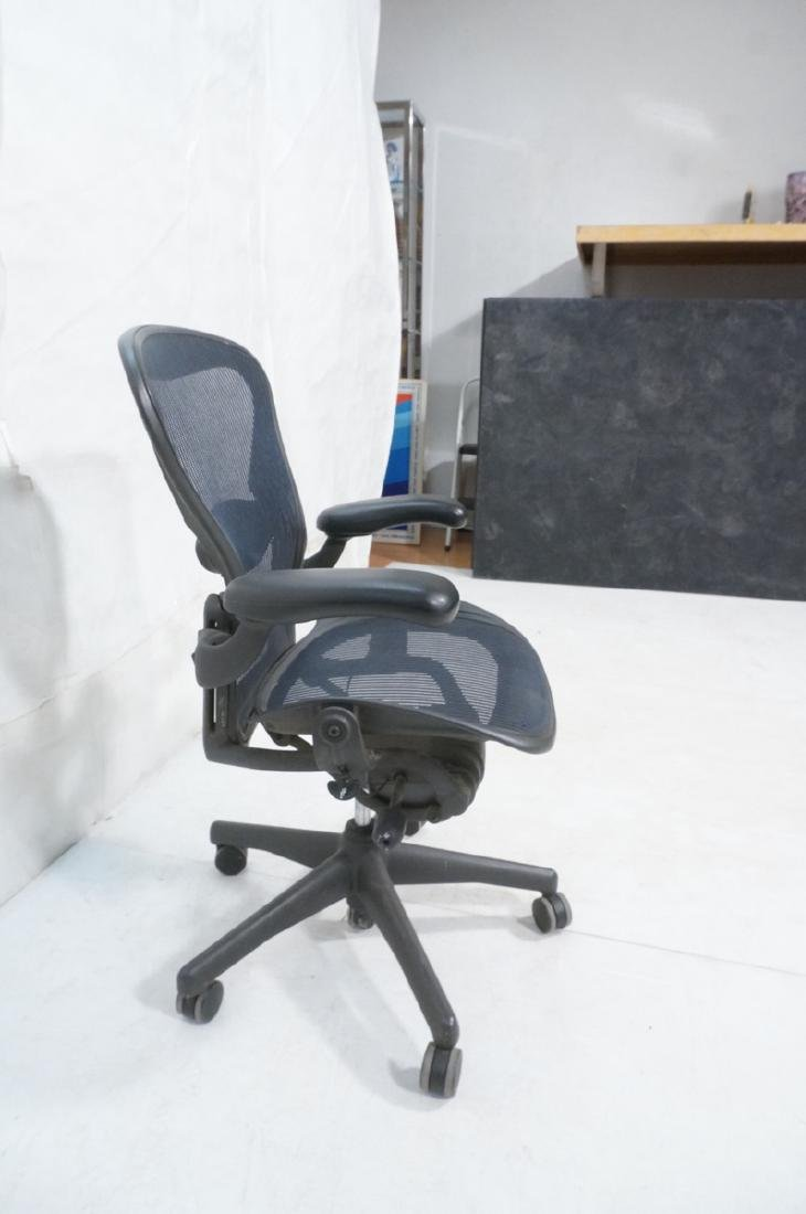 HERMAN MILLER Aeron Rolling Office Executive Chai - 4