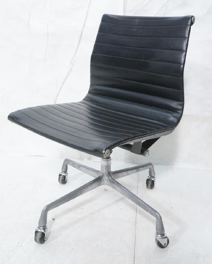HERMAN MILLER Executive Office Desk Chair. Black